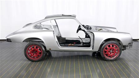 Porsche Bain de cataphorèse et peinture