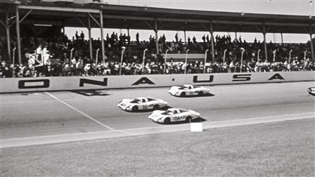 Porsche 907 LH in Daytona in 1968