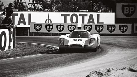 Porsche 907 LH Coupé at Le Mans in 1968
