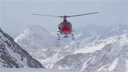 Porsche Mark Webber's helicopter training