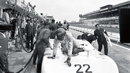Vic Elford with the Porsche 908/03 Spyder (1970)