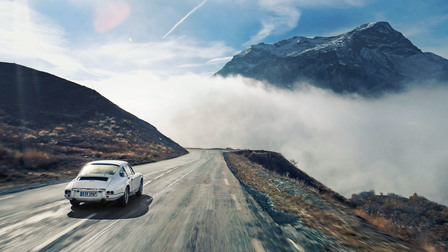 The Porsche 911 R from 1967 in the French Alps