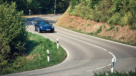 Porsche Der neue 911 auf der Fahrt nach Weissach
