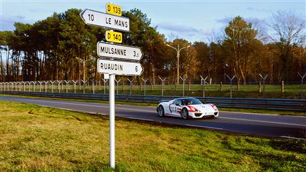 Porsche On the Trail of Tradition