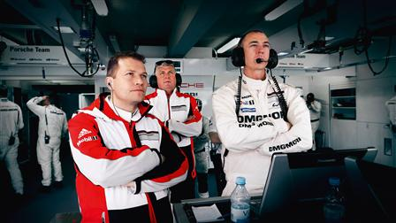 Porsche Team boss Andreas Seidl, board member Wolfgang Hatz and Crew Chief Amiel Lindesay (from left to right)