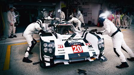 Porsche Pit stop