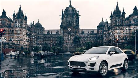 Porsche Macan, Chhatrapati Shivaji Terminus, Mumbai/India