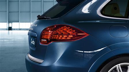 Porsche Cayenne (E2第一代) 專用深色燈面LED尾燈